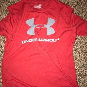 Under armor men's Small- great shirt